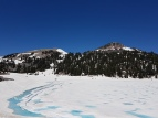 Un lac enneigé/A Snowy lake