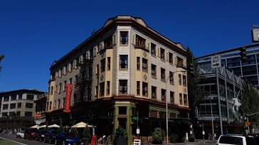 Crystal Hotel Portland